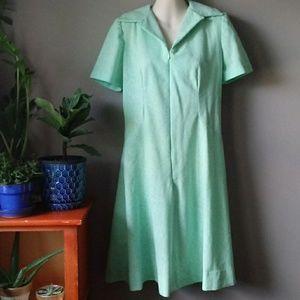 🌷🌷Vintage sea foam surfer green zip up dress.